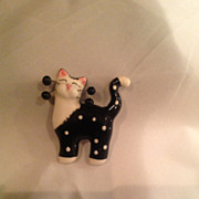 Novelty Jewelry Vintage Porcelain Cat Pin