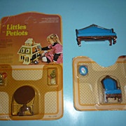 SALE Mattel~The Littles~ #1800 -Chair-Plant,footstool,Sofa, #1799-Table,Plant,Lamp NRFP-Canadi