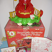Kenner~Strawberry Shortcake-Big Berry Trolley- Boxed-1982 -French & English For Canadian ...