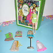 Topper Jessica Doll-Vinyl Case-Dawn/Glori, Dale, Longlocks Dresses-Stand