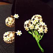 Vintage Daisy Brooch and Earring Set