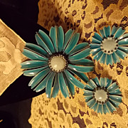 Vintage Blue Enamel Flower Brooch Set