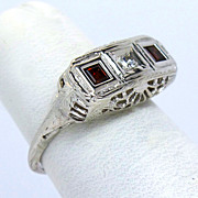 Gorgeous Vintage 14K Diamond and Garnet Filigree Ring