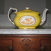 REDUCED Spode Copeland Tea Pot Yellow