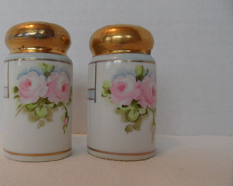 Nippon Salt and Pepper Set