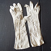 SALE Antique - Ladies Leather Gloves