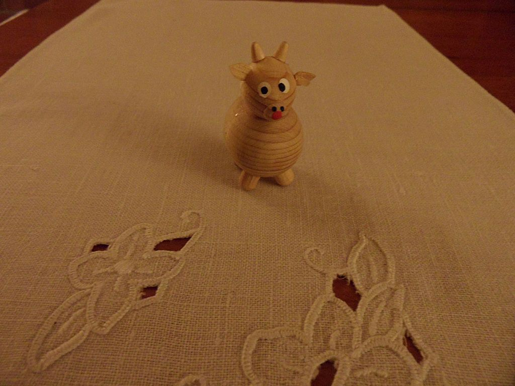 Vintage - Wooden - SMALL Figurine