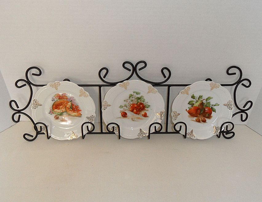 Vintage - Three Display Plates with Plate Rack