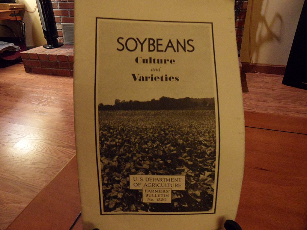 Vintage - &quot;Soybeans, Culture and Varieties&quot;, US Dept of Agriculture, 1942