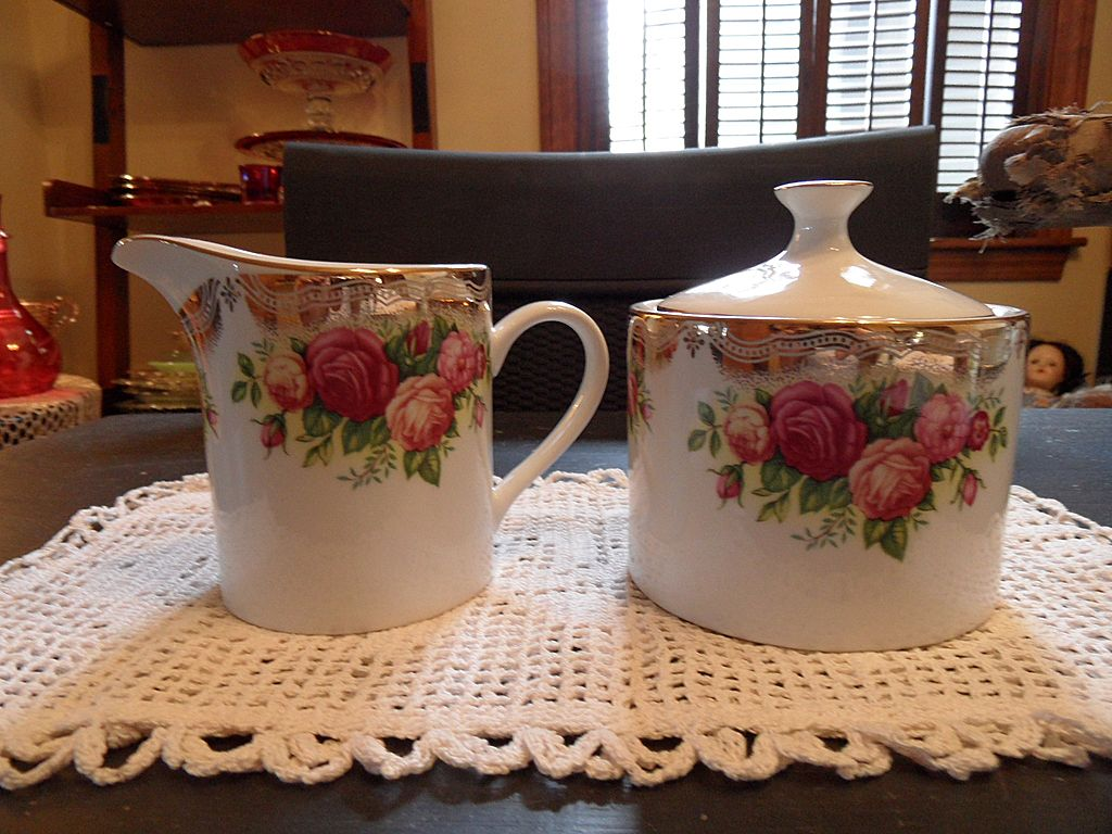 Vintage - The Prestige Collection, Retroneu - English Roses - 3028 - Sugar and Creamer