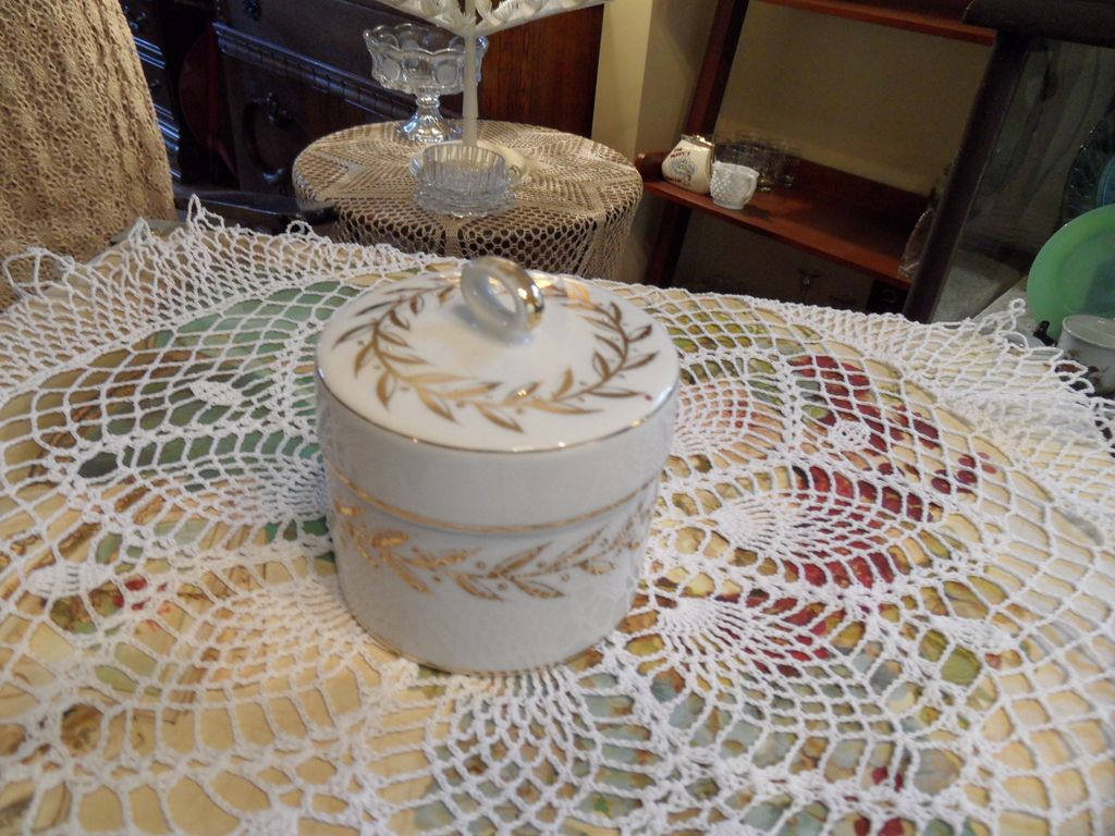 Vintage - Lefton - Trinket Box - White and Gold