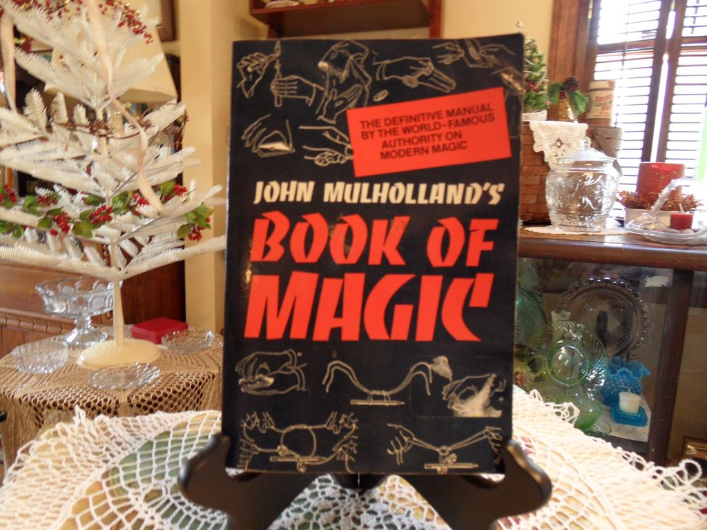 Vintage - Paperback - John Mulholland's Book of Magic - 1963