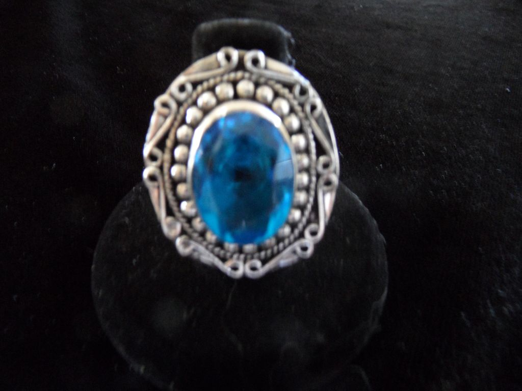Vintage - .925 Sterling Silver Cocktail Ring - Blue Topaz