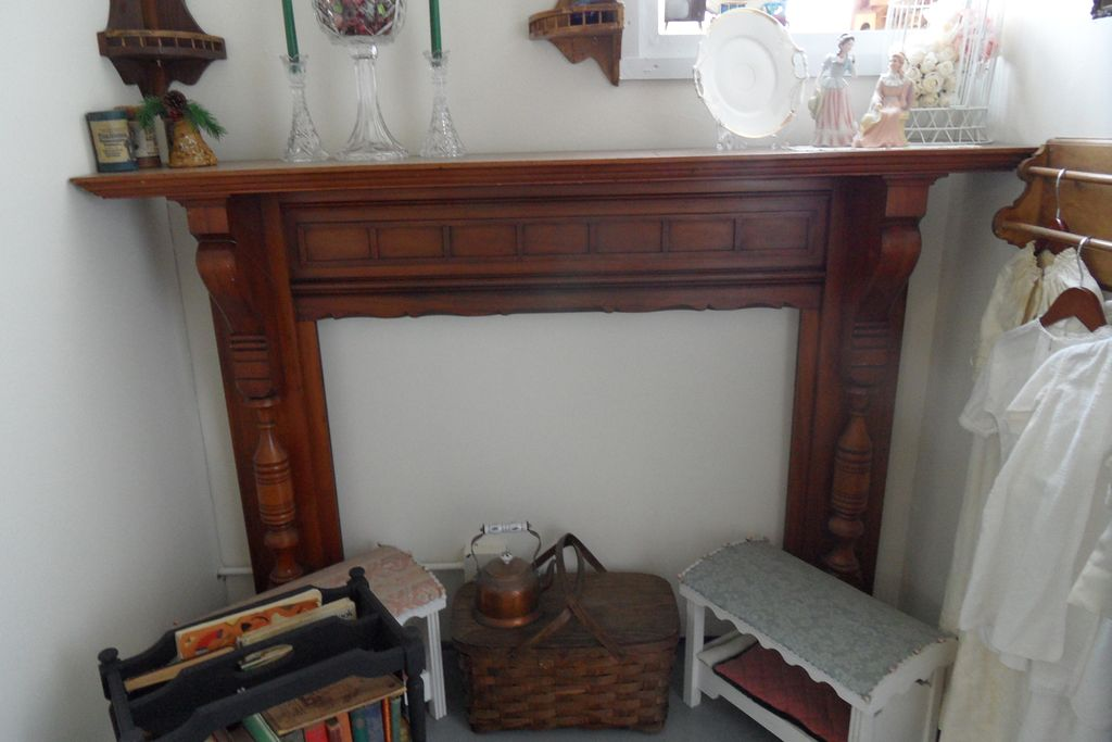 Antique - Fireplace Mantle