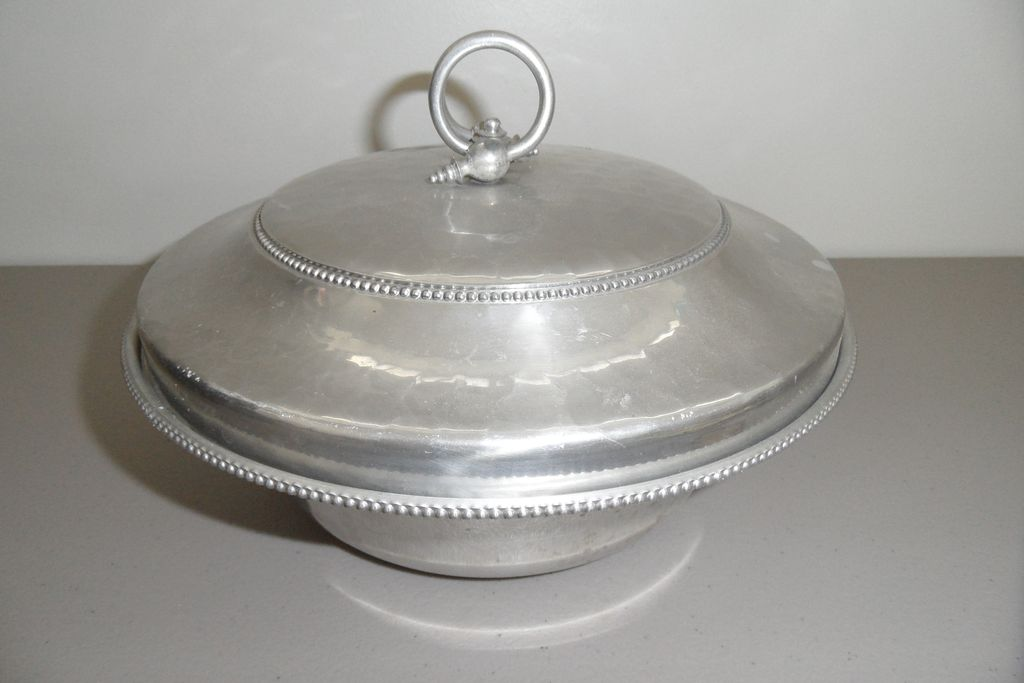 Vintage - Buenilum - Covered Bowl