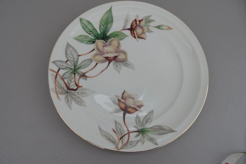 Vintage - Meito China - Woodrose - Plate