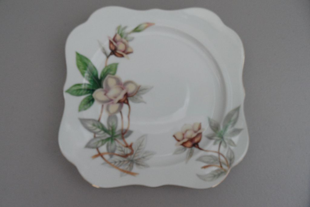 Vintage - Meito China - Woodrose - Square Salad Plate