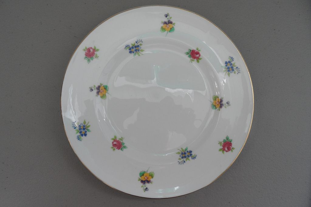 Vintage - Staffordshire - Fine Bone China - Plate