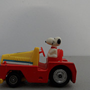 Vintage - Snoopy driving Truck