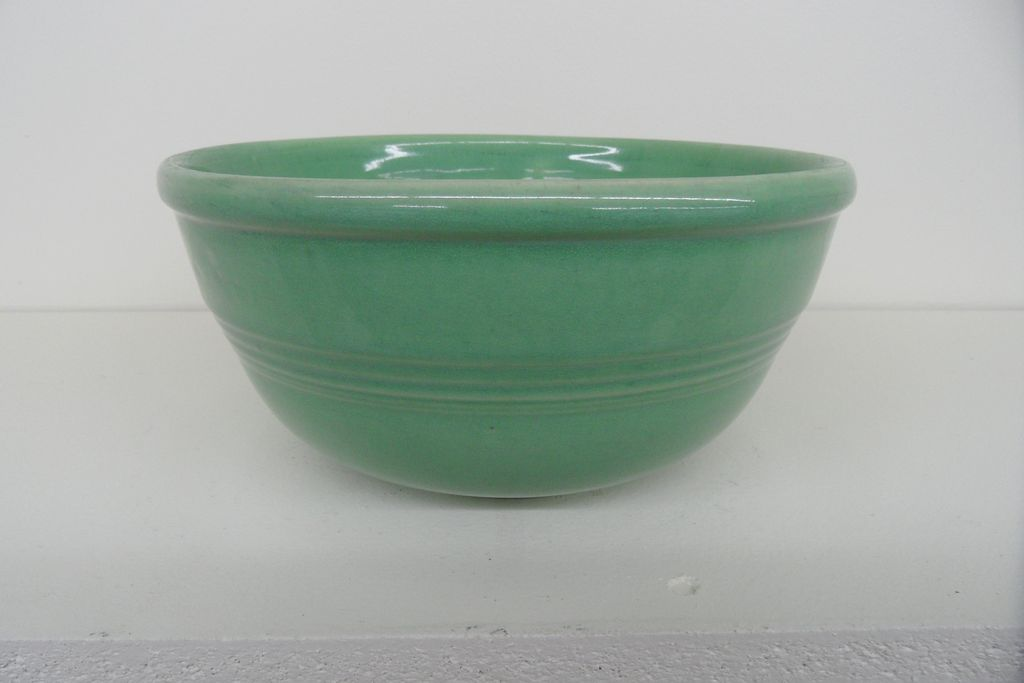 Vintage - Bowl - Seville Pottery - Green - 9""