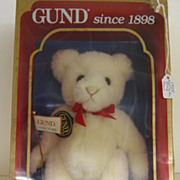 Vintage - Gund Bear - Mint - In Original Box - 1988