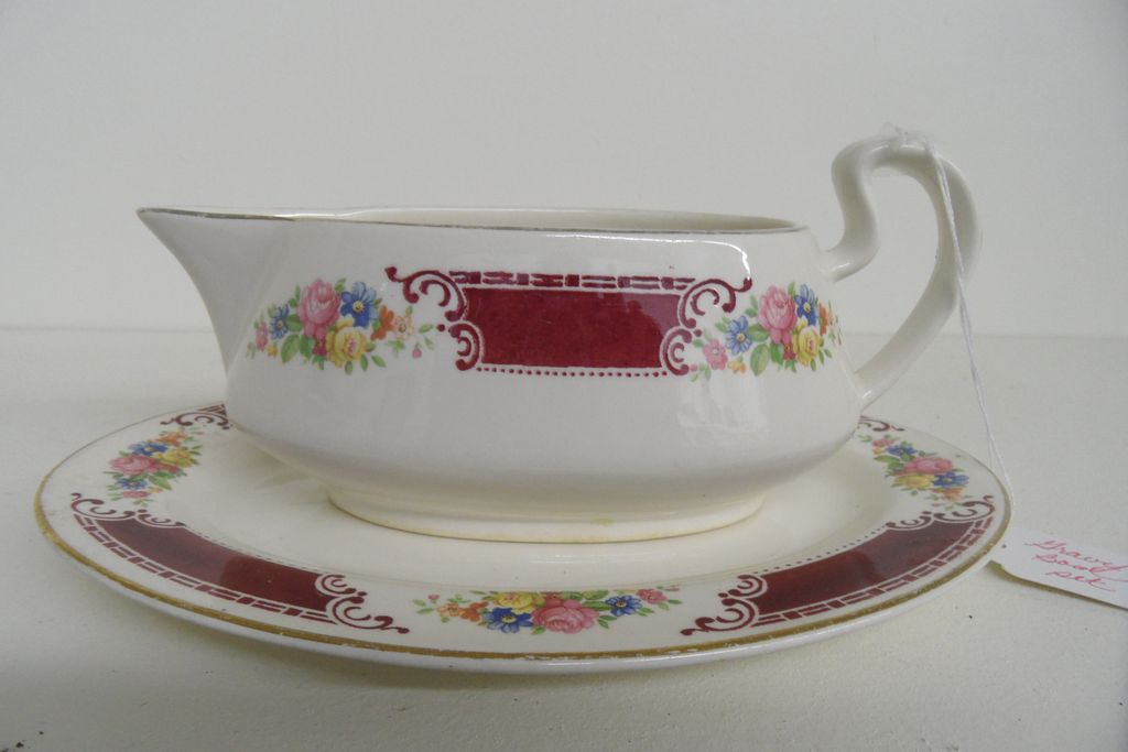 Vintage - Homer Laughlin - Gravy Boat w/Under Plate