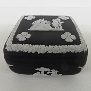 Vintage - Wedgewood - Covered Trinket Box