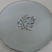 Vintage - Porcelain - Universal Potteries - Plate 10 1/2&quot;