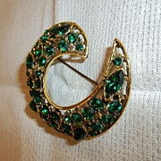 Vintage Collectible Unmarked Green Rhinestone Brooch