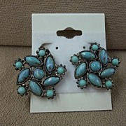 Vintage Costume Turquoise Colored Screw Back Earrings