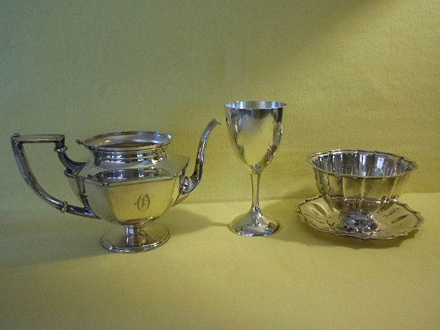 Vintage INTERNATIONAL Silver Co and SHEFFIELD Silverplate 3 Pieces