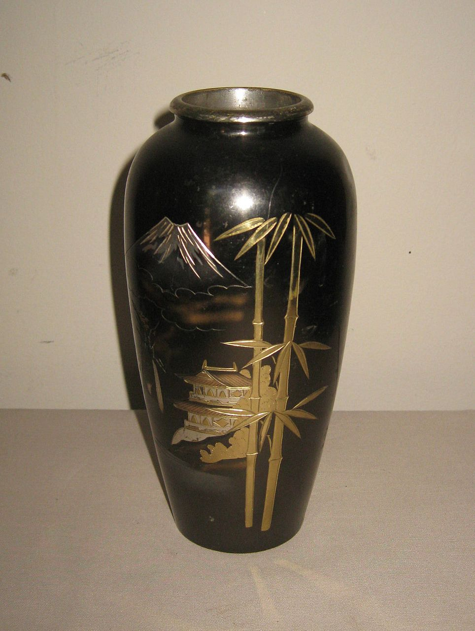 Small japanese vases pictures to pin on pinterest pinsdaddy small reviewsmspy