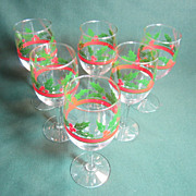 Holly and Berry Wine Glass by Libby/rock Sharp
