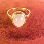 SALE 18 Kt Gold ring with 2.5 c Moonstone