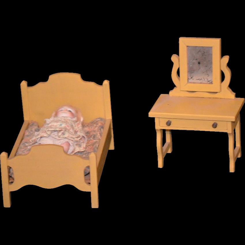 Old Miniature Doll Dollhouse Wood Furniture Bedroom Set