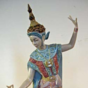 SOLD Lladro Female Siamese Dancer