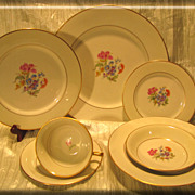 Royal Jackson Featherweight &quot;Glenda&quot; 7-Piece Place Setting