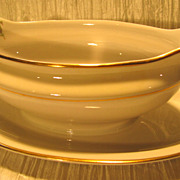 Royal Jackson Featherweight &quot;Glenda&quot; Gravy Boat with Underplate
