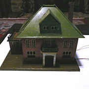 Lionel 191 Villa Green and Red Brick with Grey Base ca, 1920's-1930's