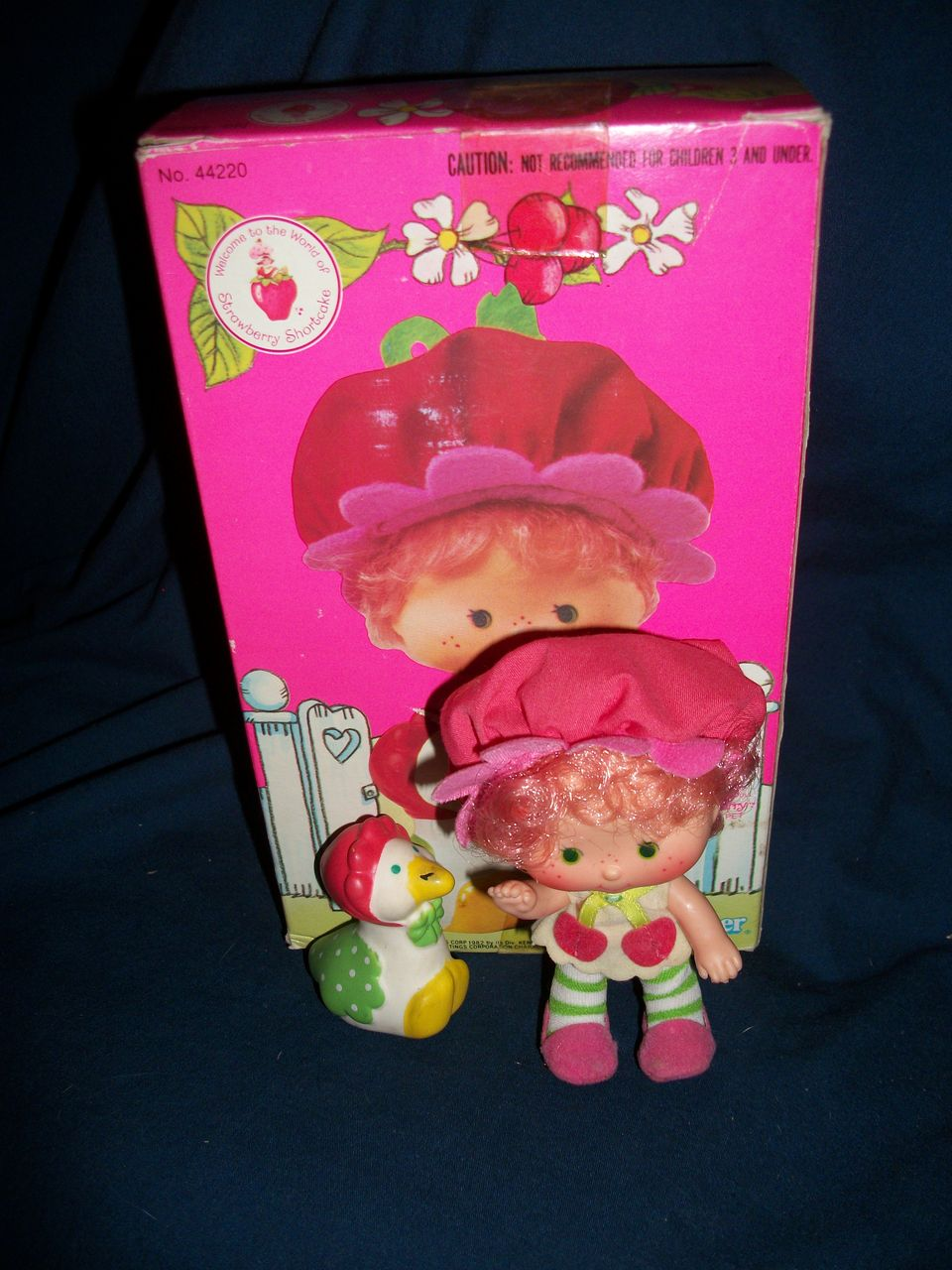44220 Cherry Cuddler Gooseberry Kenner Strawberry Shortcake Doll US Buyer Free Postage & Insurance