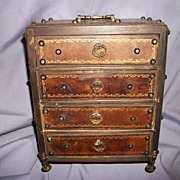 Vintage Doll or Jewelry Chest Free postage and insurance