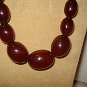 Vintage Art Deco CHERRY AMBER Bakelite BARREL Bead Necklace - 72.4 Grams