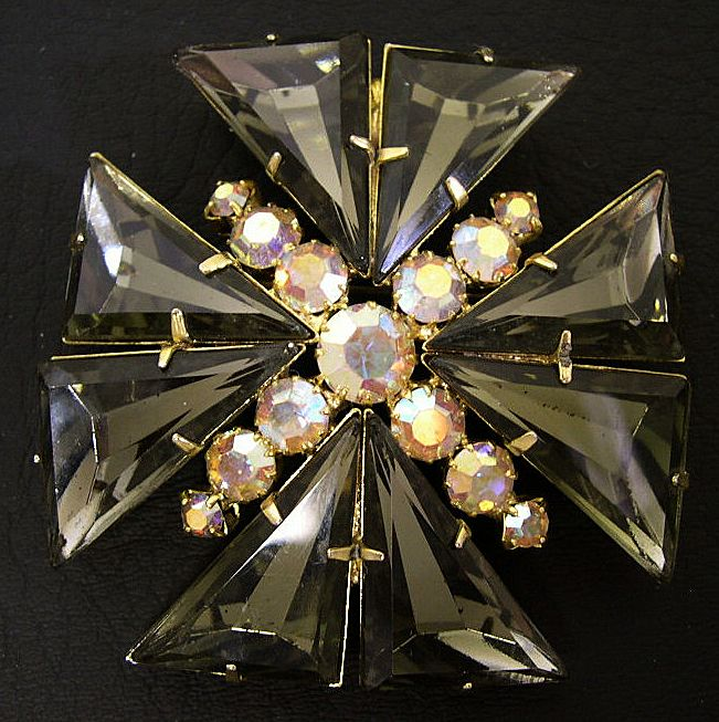 Juliana D&E Maltese Cross &quot;Kite&quot; Rhinestone Brooch, circa 1960s