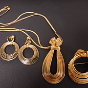 Vintage Napier Golden Wire Parure:  Necklace, Earrings, Brooch