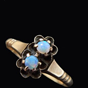Antique Victorian 10K Gold Jelly Opal Ring 1880s