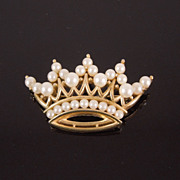 Vintage Trifari Simulated Pearl Crown Brooch