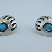 Vintage NAVAJO Sterling Silver Bear Claw Shadowbox EARRINGS, ca 1970's