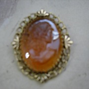 Colored Glass Carved Cameo Brooch/Pin