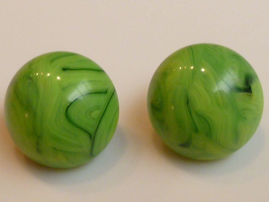 Vintage Vogue Marbled Lucite Earrings