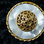 Vintage Pastelli Mother of Pearl Gold Tone Filigree Brooch Pin